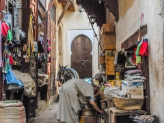 Fez_Morocco_Passages_and_Shops_0006b